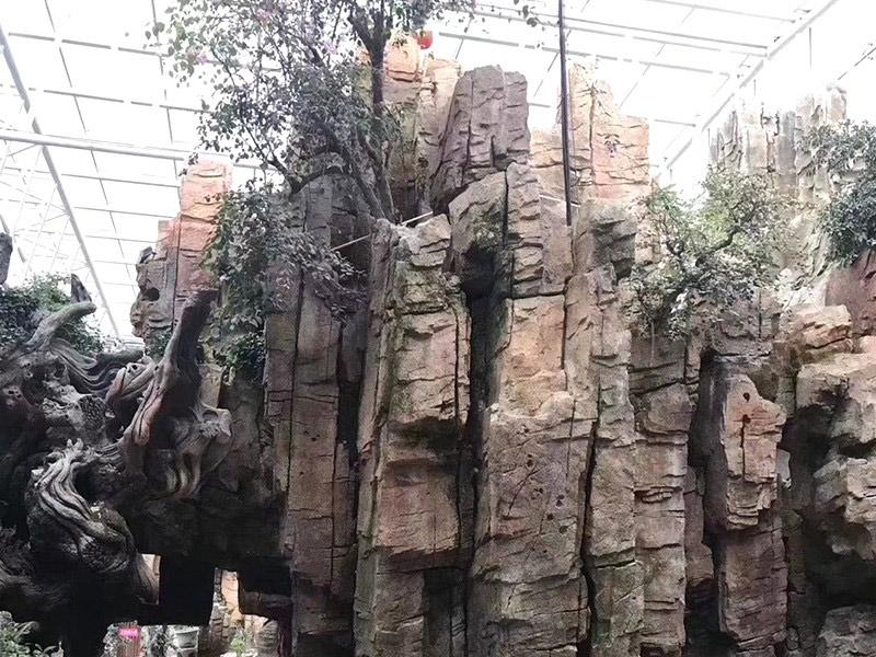 生态园假山施工现场